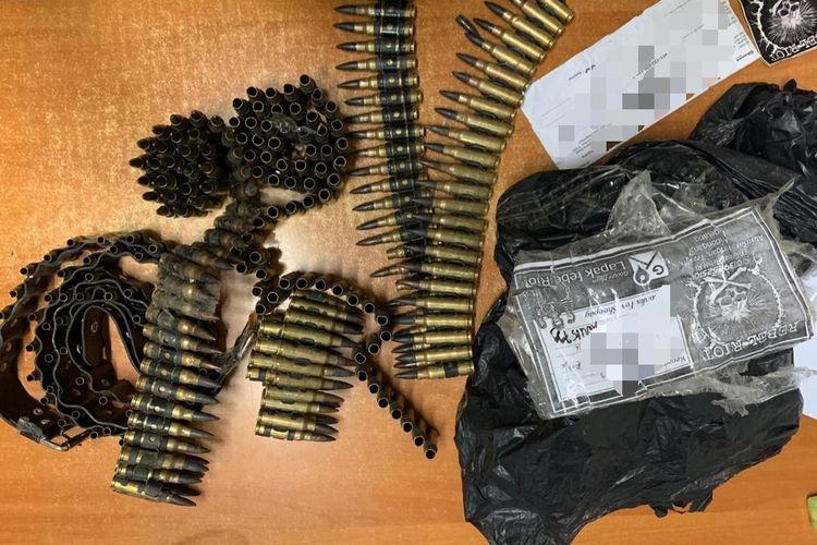 Selongsong peluru yang diamankan oleh Polsek Tambora