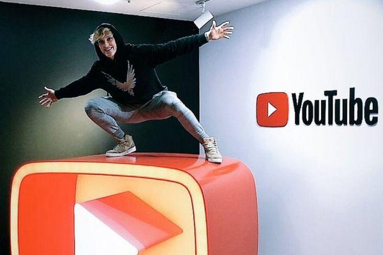 YouTuber Logan Paul di YouTbe Space Tokyo