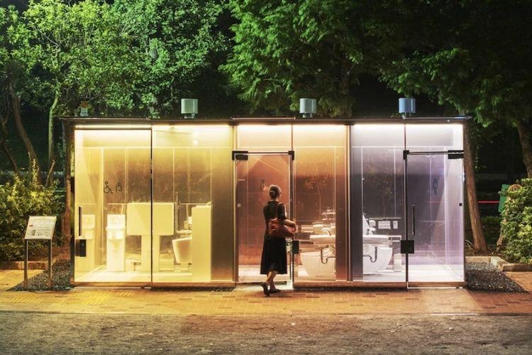 Toilet Umum Yoyogi Fukumachi mini Park Opaque Glasss di Shibuya Jepang
