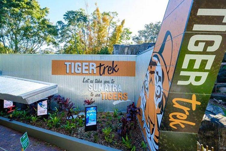 Tiger Trek di Taronga Zoo, Sydney, Australia.