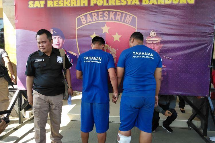 Kedua pelaku penganiayaan terhadap petugas parkir di Baleendah, Kabupaten Bandung, ditangkap Polresta Bandung, Senin (29/6/2020).