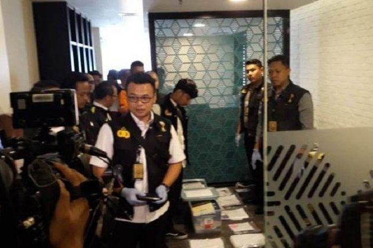 Satgas Antimafia Bola menggeledah kantor Komdis PSSI, Kamis (31/1/2019).