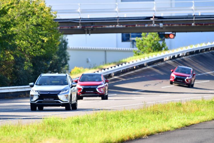Kompas.com menjajal SUV terbaru Mitsubishi Eclipse Cross di Okazaki, Jepang.