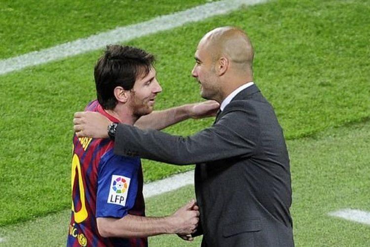 Lionel Messi dan Pep Guardiola merayakan gol pada laga Barcelona vs Espanyol di Stadion Camp Nou, 5 Mei 2012.