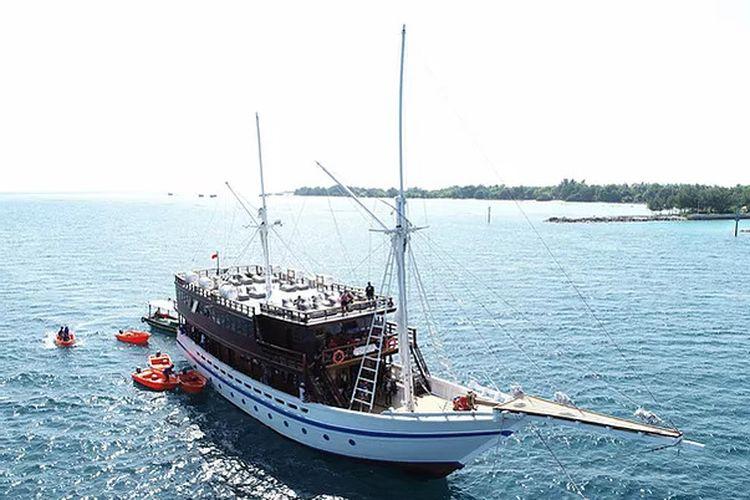 Salah satu kapal Jakarta Phinisi