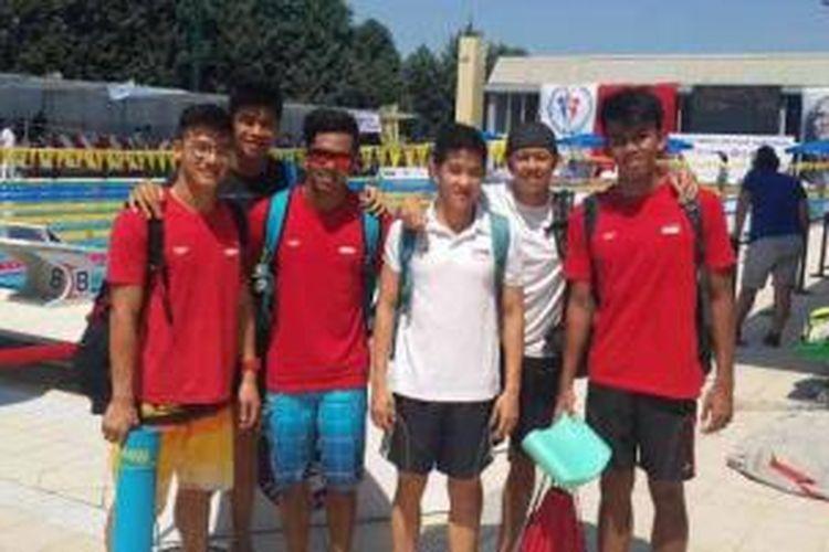 Para atlet renang Pelatnas Asian Games 2014: Alexis Wijaya Ohmar, Glenn Victor, Gde Siman Sudartawa, Ricky Anggawijaya, Dennis Joshua Tiwa dan Triady Fauzi Sidiq.