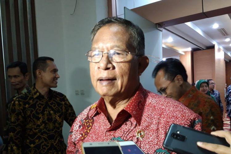 Menteri Koordinator Bidang Perekonomian Darmin Nasution di kantor Kementerian Koordinator Bidang Perekonomian, Jakarta, Selasa (22/1/2019).