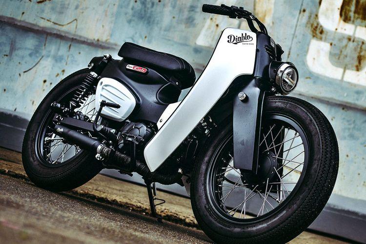 Motor custom Honda Super Cub 2018 bergaya street cub garapan K-Speed