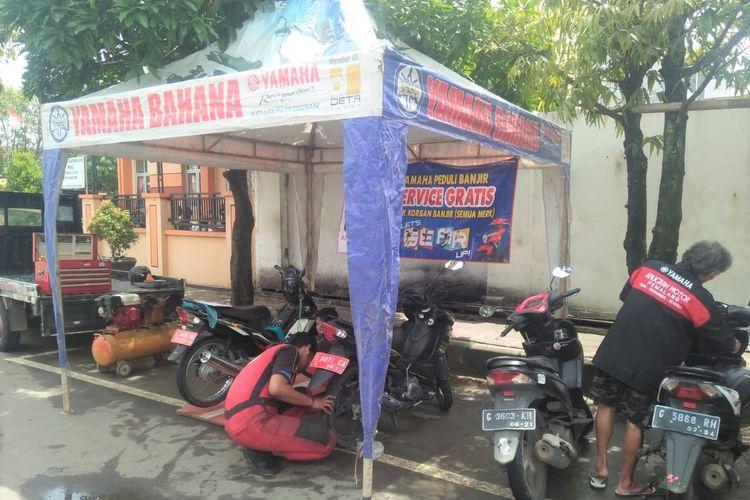 Yamaha memberikan service gratis untuk pemilik motor yang terdampak banjir di Jawa Tengah