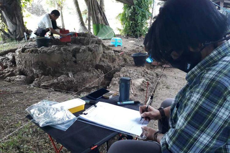 Irna Saptaningrum memimpin penggalian reruntuhan Benteng Kota Mas di Goorntalo Utara. Bneteng ini digambarkan dalam sejumlah tulisan sebagai benteng yang memiliki kemegahan.