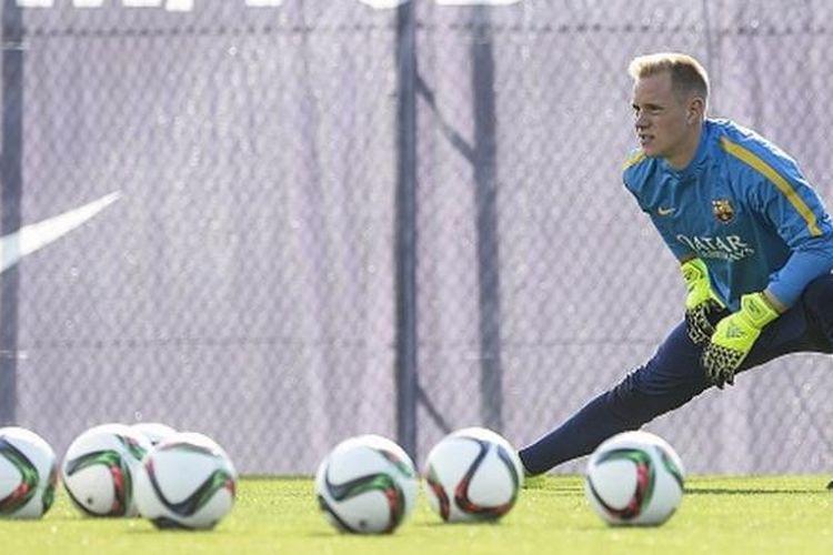 Kiper Barcelona asal Jerman, Marc-Andre Ter Stegen.