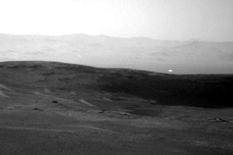 Foto tangkapan robot Curiosity
