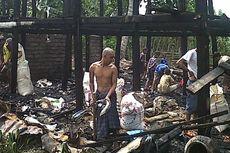 Rumah Dilalap Api, Seorang Lansia Nyaris Terpanggang