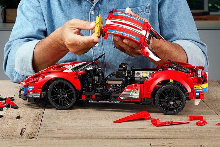 Lego Technic Ferrari 488 GTE AF Corse # 51