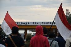 Demo Tolak UU Cipta Kerja, Mahasiswa Tutup Jalan Tol Pasteur