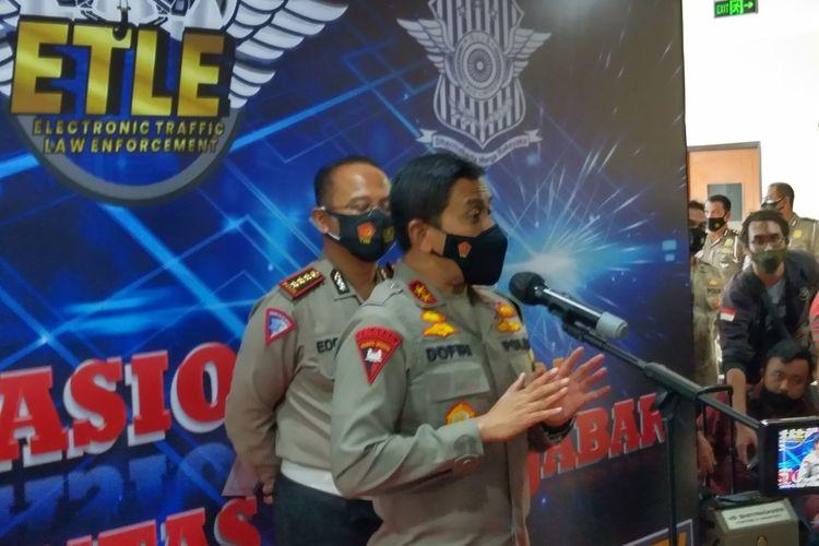 Kapolda Jabar Irjen Pol Ahmad Dofiri tengah menjelaskan terkait tilang elektronik yang diterapkan di Kota Bandung