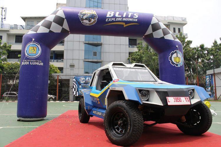 Mobil listrik kreasi bersama Universitas Budi Luhur dan ITS dalam seremoni Blits Explore Indonesia, di Universitas Budi Luhur, Jakarta (12/11/2018).