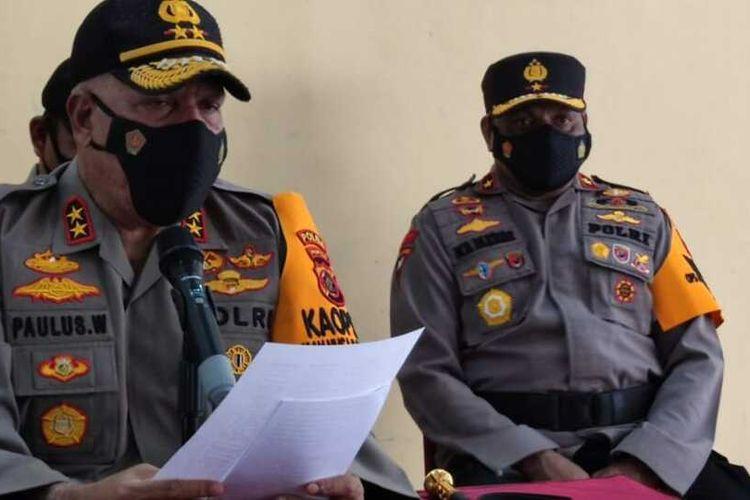 Kapolda Papua Irjen Paulus Waterpauw (depan) dan Wakapolda Papua Brigjen Matius D Fakhiri