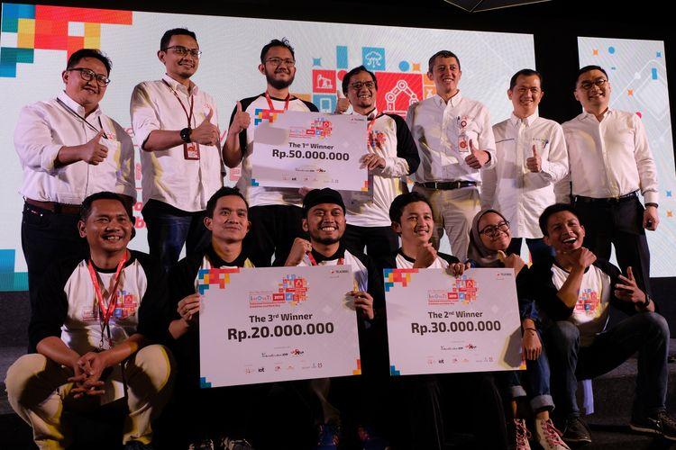 Tim Manpro.id, Tuni, dan Traffobit, tiga tim terbaik di ajang Innovate 2019 yang digelar Telkomsel.