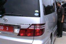 Mobil Dinas Kajati Sulselbar Pakai Pelat Nomor Tak Resmi