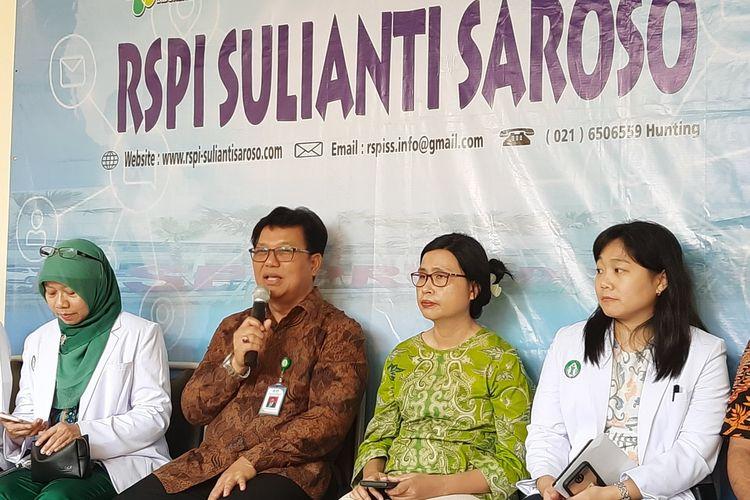 Konferensi pers di RSPI Sulianti Saroso, Jakarta Utara, Jumat (13/3/2020).