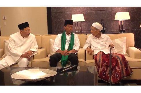 CEK FAKTA: Jokowi Disebut Merampas Sorban Mbah Moen, Benarkah?