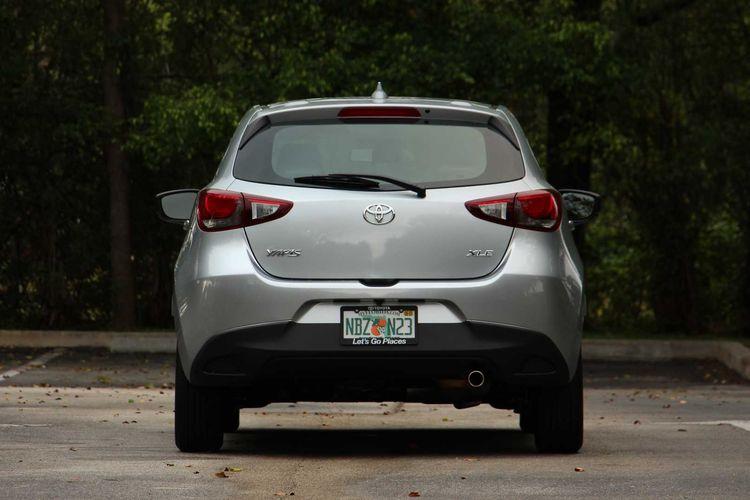 Toyota Yaris untuk pasar AS yang mengambil basis Mazda2
