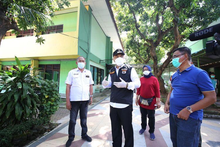 Wali Kota Surabaya Eri Cahyadi di Asrama Haji, Sukolilo, Surabaya, Jawa Timur.
