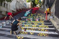Kreatif, Mahasiswa Turki Sulap Tangga Usang Jadi Galeri Seni