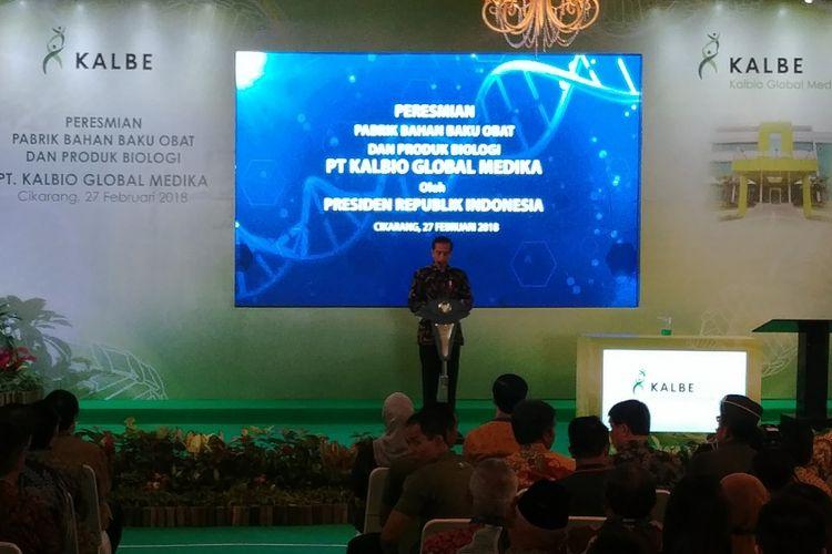 Presiden Joko Widodo meresmikan pabrik bahan baku obat dan produk biologi   di Cikarang, Selasa (27/2/2018).  Pabrik ini didirkan PT Kalbe Farma Tbk (Kalbe) melalui anak usaha PT Kalbio Global Medika (KGM).