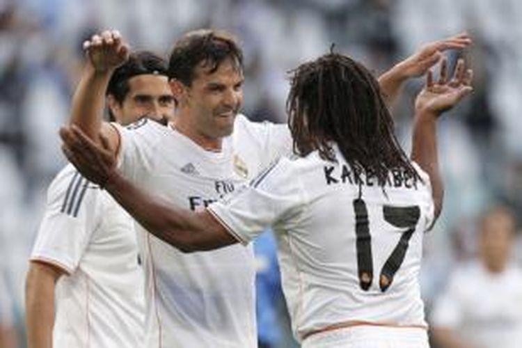 Mantan striker Real Madrid, Fernando Morientes (tengah), dijadwalkan hadir melakoni laga