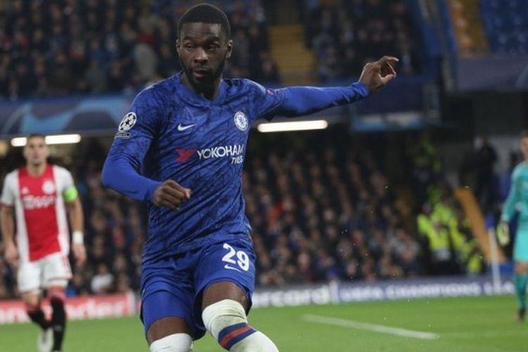 Fikayo Tomori selama pertandingan Grup H Liga Champions UEFA 2019/20 antara Chelsea FC  melawan AFC Ajax  di Stamford Bridge