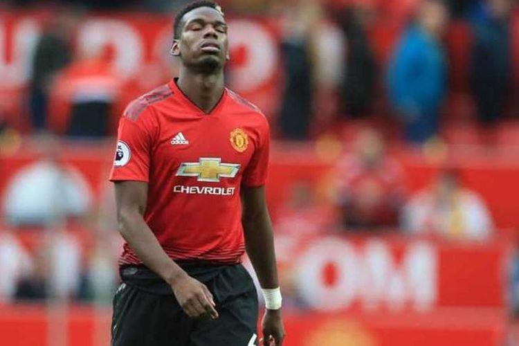Tindakan Paul Pogba dinilai tidak menghormati para pendukung Manchester United, Senin (22/4/2019)
