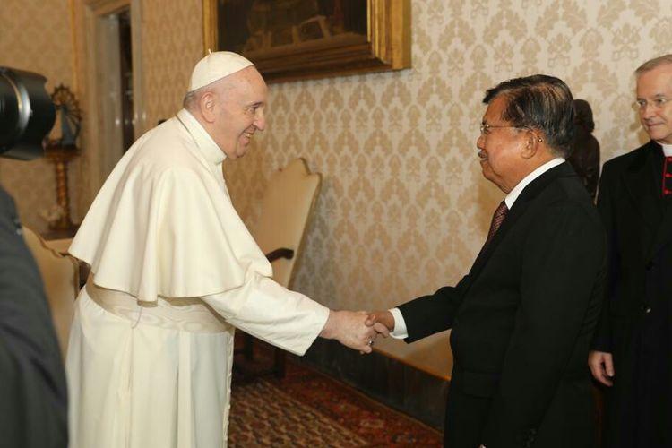 Mantan Wapres Jusuf Kalla bertemu Paus Fransiskus