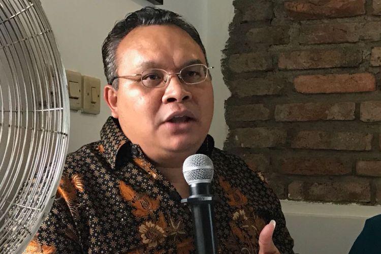 Direktur Eksekutif Komite Pemantauan Pelaksanaan Otonomi Daerah Robert Endi Jaweng.