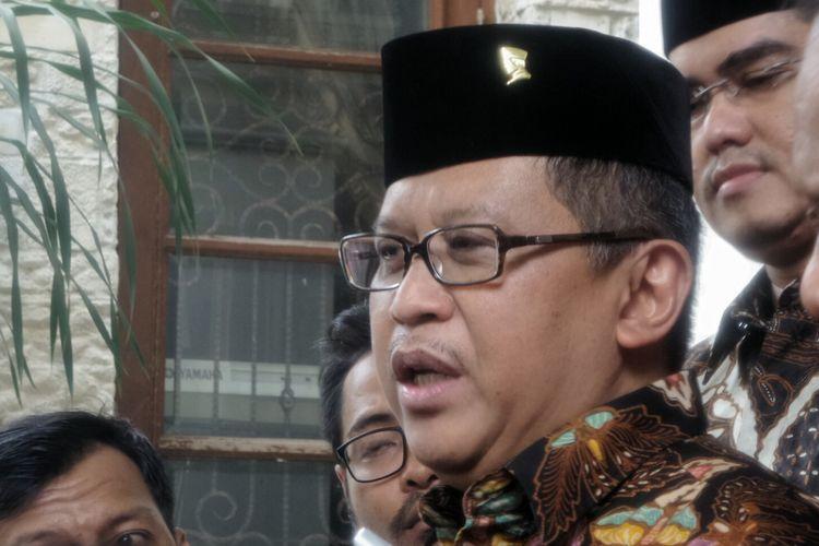 Sekretaris Jenderal Partai Demokrasi Indonesia Perjuangan (PDIP) Hasto Kristiyanto saat ditemui di kediaman pribadi Hamzah Haz, kawasan Patra Kuningan, Jakarta Selatan, Sabtu (5/8/2017) siang.