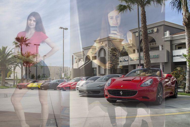 Wajah wanita yang mengaku bernama Kim siap menjual virginitasnya demi mendapatkan mobil mewah dan harta lainnya.