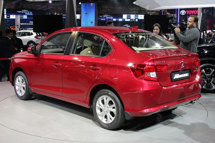 All-New Honda Amaze. Generasi kedua sedan Brio ini mendebut di Delhi Auto Expo 2018.