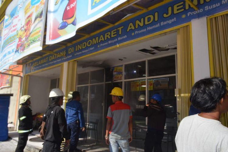 Swalayan Indomaret di Jalan Andi Djemma , Palopo, nyaris ludes akibat hubungan arus pendek listrik, Kamis (9/8/2018).