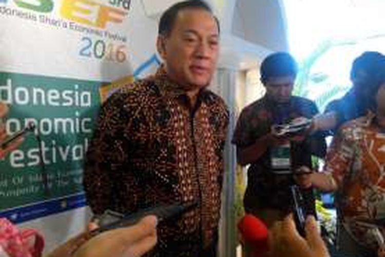 Gubernur Bank Indonesia (BI) Agus DW Martowardojo di sela-sela acara Indonesia Syari'a Economic Festival (ISEF) di Grand City Surabaya, Kamis (27/10/2016).