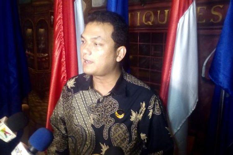 Ketua DPP Partai Nasional Demokrat (Nasdem), Martin Manurung usai acara Lunch at DPP di Kantor Pusat DPP Nasdem, Jakarta, Rabu (28/9/2016).