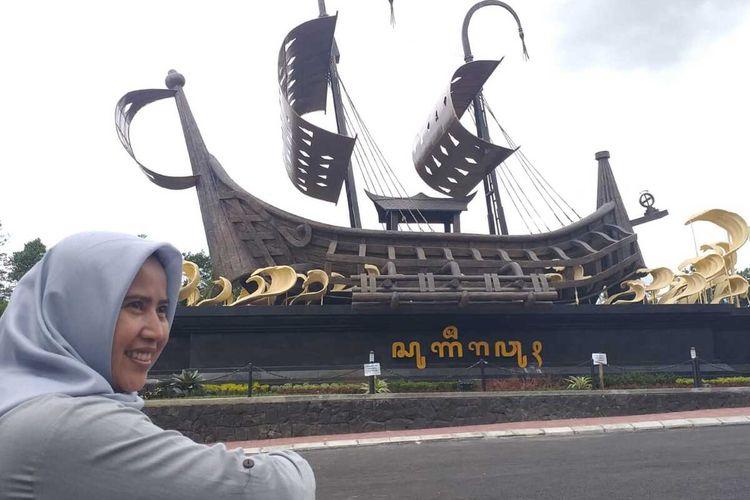 Gerbang Klangon di perbatasan Kalibawang di Kulon Progo, Daerah Istimewa Yogyakarta dengan Magelang, Jawa Tengah. Gerbang ini di lintas YIA – Borobudur.