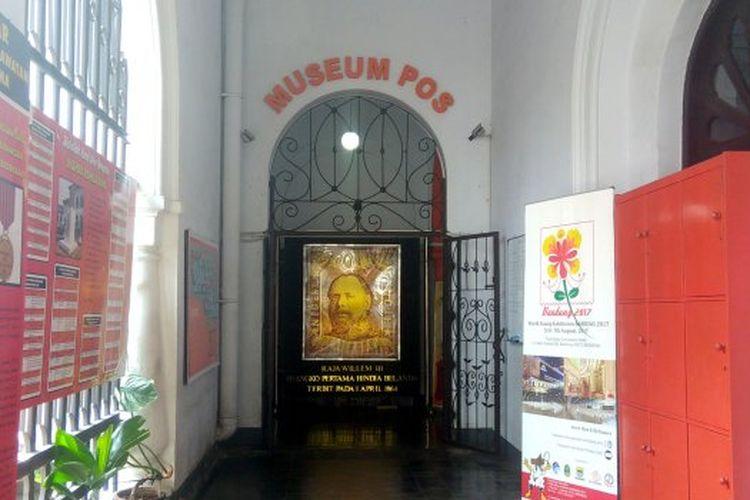 Pintu masuk Museum Pos Indonesia di Bandung, Jawa Barat.