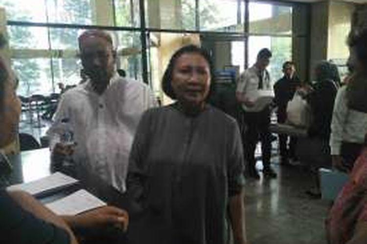 Aktivis Ratna Sarumpaet di Gedung Komisi Pemberantasan Korupsi, Jakarta, Kamis (15/9/2016)