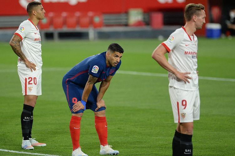 Penyerang Ateltico Madrid, Luis Suarez, pada laga lanjutan pekan ke-29 Liga Spanyol kontra Sevilla yang berlangsung di Stadion Ramon Sanchez Pizjuan, Senin (5/4/2021) dini hari WIB.