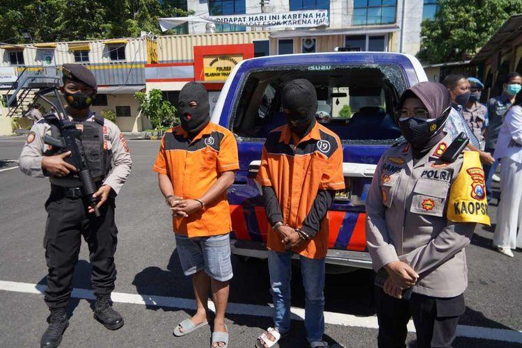 Polisi tangkap 2 pelaku kericuhan patroli PPKM Darurat di Surabaya.