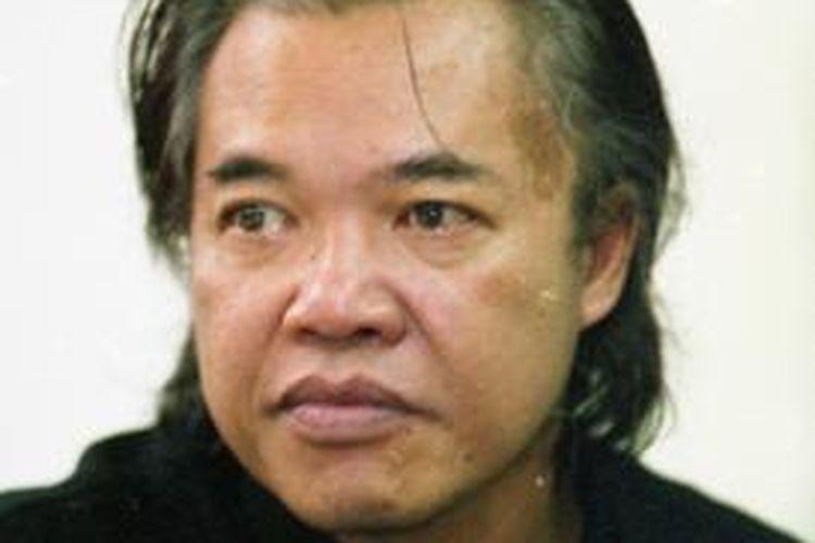 Sastrawan Arswendo Atmowiloto