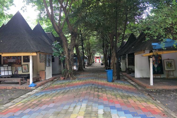 Suasana Pasar Seni Ancol, Jakarta Utara sepi pengunjung, Kamis (12/11/2020).