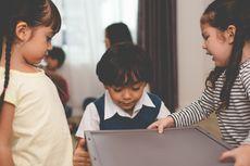 Melatih Anak Tunggal agar Mudah Bergaul dan Mau Berbagi