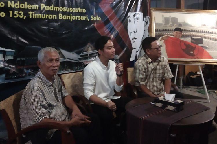 Bakal calon Wali Kota Surakarta yang juga putra sulung Presiden Jokowi, Gibran Rakabuming Raka dalam acara Salam Sapa dan Silaturahmi Bersama Gibran Rakabuming di Solo, Jawa Tengah, Kamis (2/1/2020) malam.